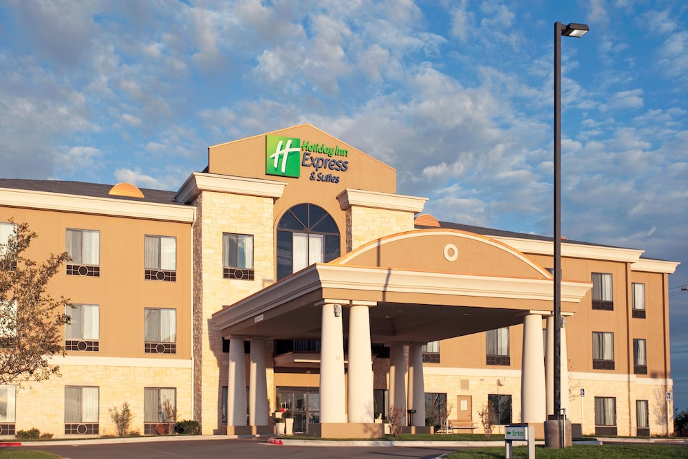 Exterior, Holiday Inn Express Amarillo South