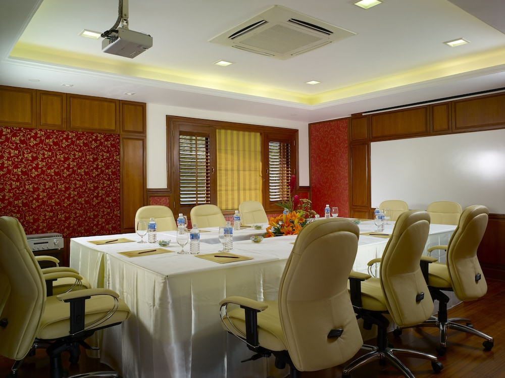 Business Center, The Paul Bangalore