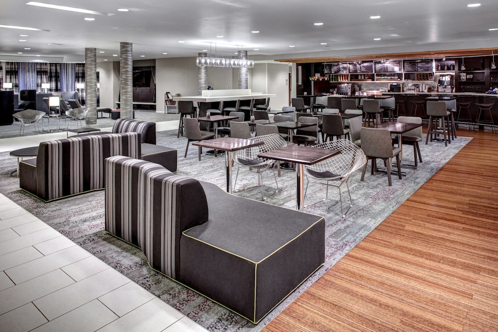 Lobby, Courtyard by Marriott Richmond North