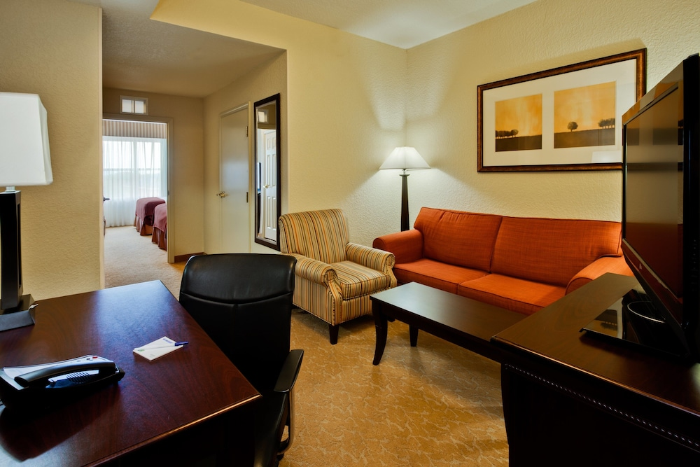 Room, Holiday Inn Express Hotel & Suites Lakeland North - I-4, an IHG Hotel