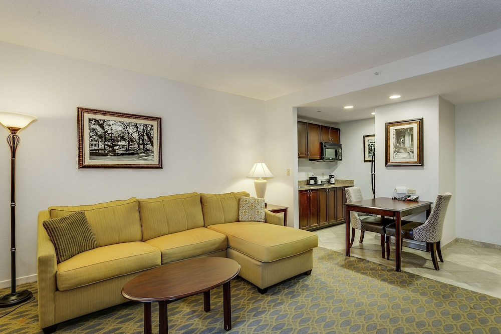 Living Area, Hampton Inn & Suites Mobile- Downtown Historic District