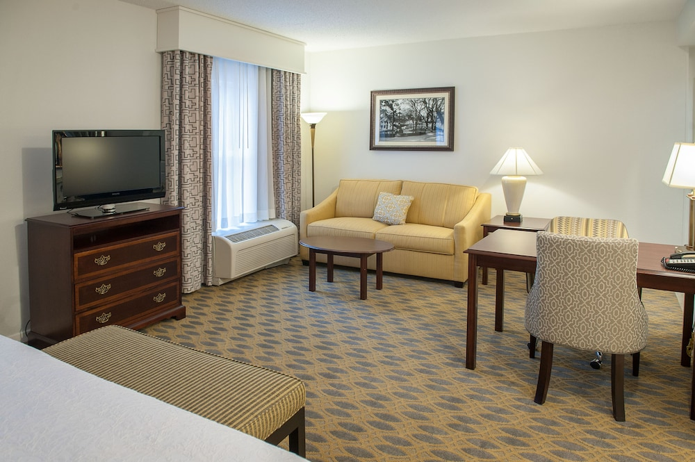 Room, Hampton Inn & Suites Mobile- Downtown Historic District