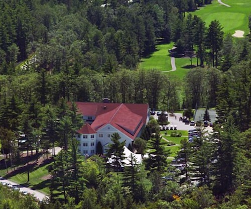 Aerial View, The White Mountain Hotel & Resort