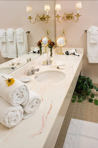 Bathroom Sink, The White Mountain Hotel & Resort