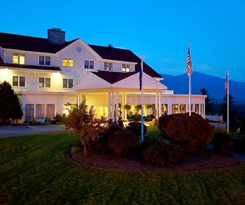 Front of Property - Evening/Night, The White Mountain Hotel & Resort