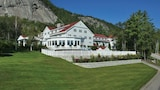 The White Mountain Hotel & Resort - North Conway Hotels