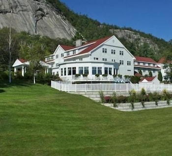 Property Grounds, The White Mountain Hotel & Resort