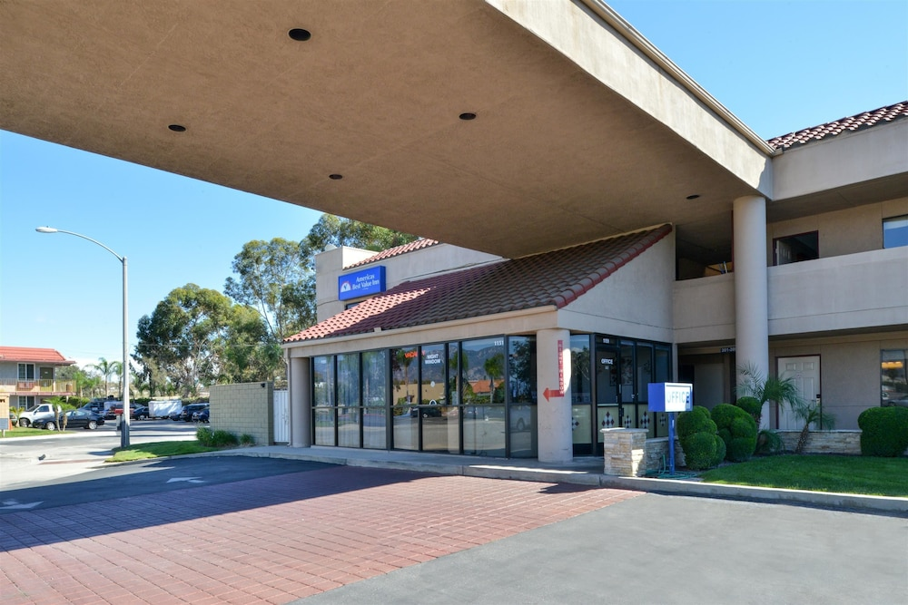 Property Entrance, Americas Best Value Inn Redlands San Bernardino