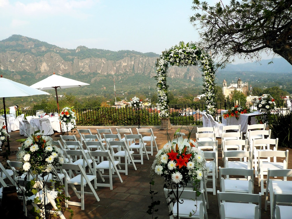 Outdoor Wedding Area, Hotel Posada Del Tepozteco