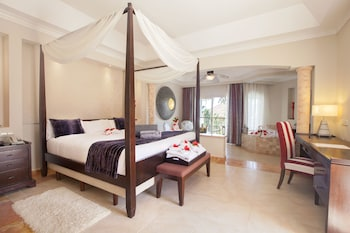 Elegance Club Junior Suite with Jacuzz - Adults Only - Guestroom