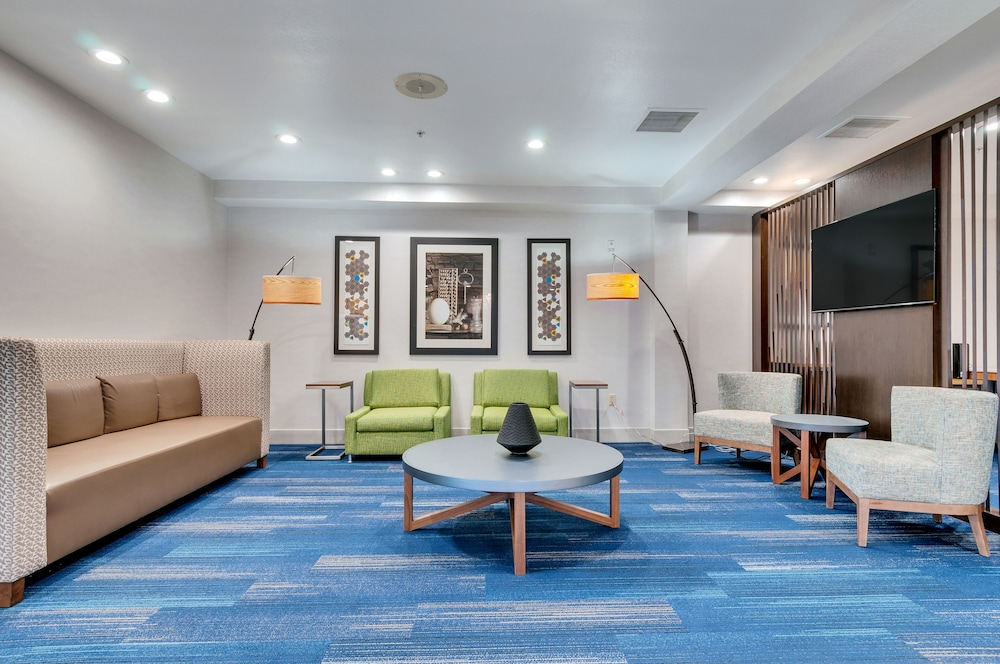 Lobby, Holiday Inn Express & Suites, Lake Elsinore