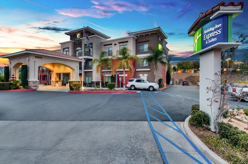 Holiday Inn Express & Suites, Lake Elsinore
