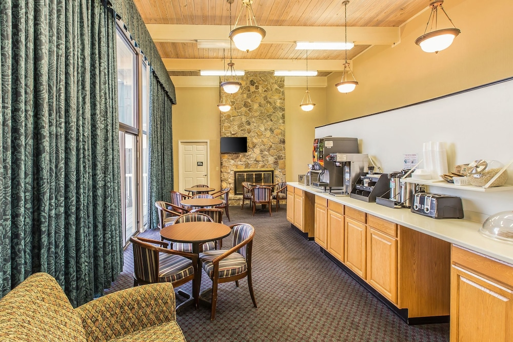 Breakfast Area, Econo Lodge Thomasville