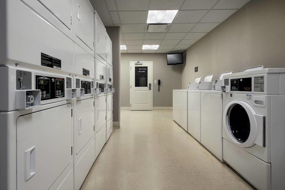 Laundry Room, Residence Inn Alexandria Old Town South at Carlyle