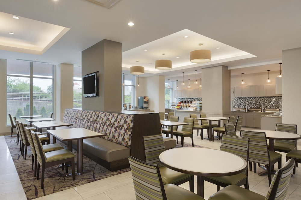 Breakfast Area, Residence Inn Alexandria Old Town South at Carlyle