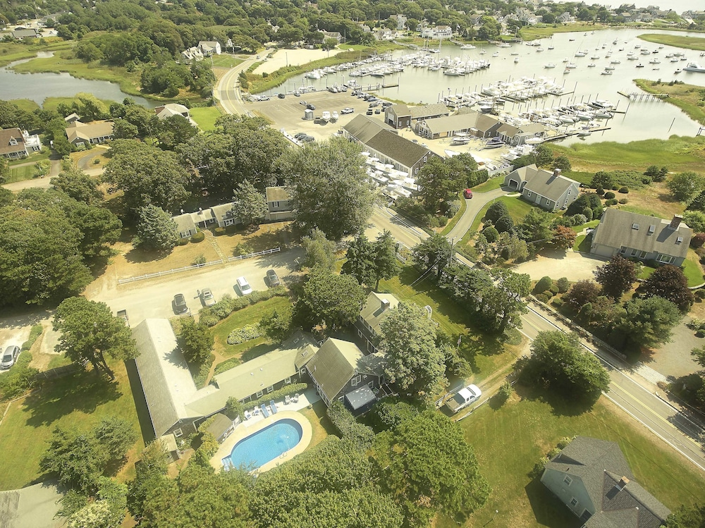 Aerial View, Allen Harbor Breeze Inn & Gardens