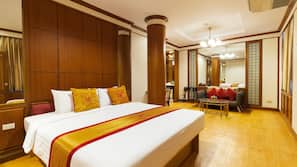 In-room safe, blackout curtains, free WiFi, bed sheets