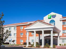 Holiday Inn Express Hotel & Suites Oroville Lake, an IHG Hotel