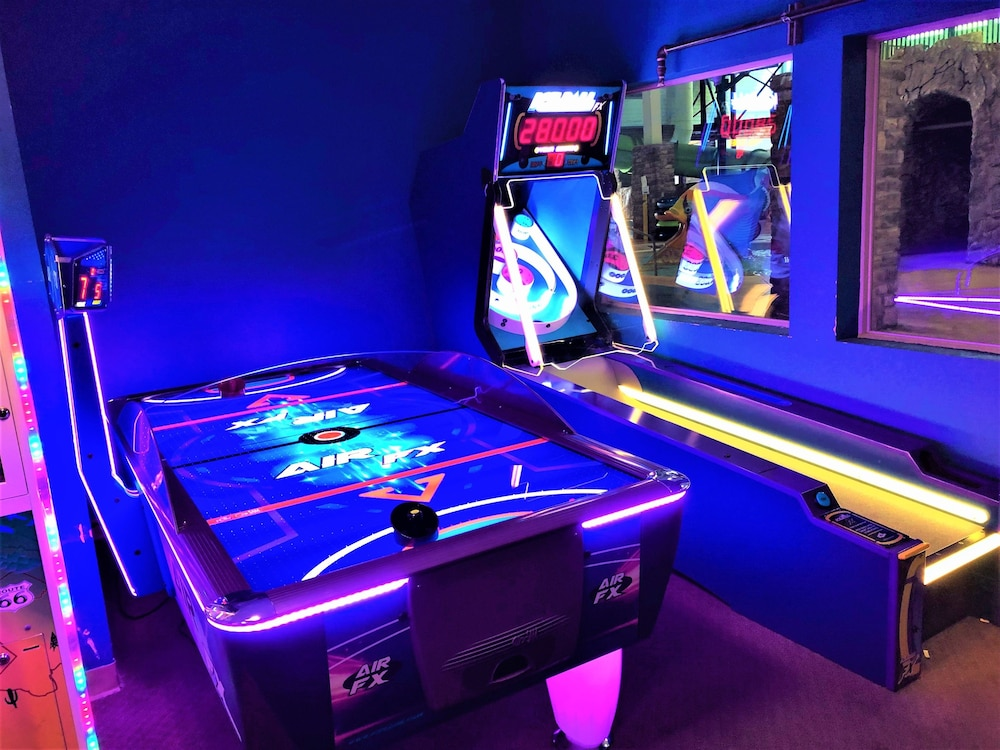 Game Room, Castle Rock Resort & Waterpark