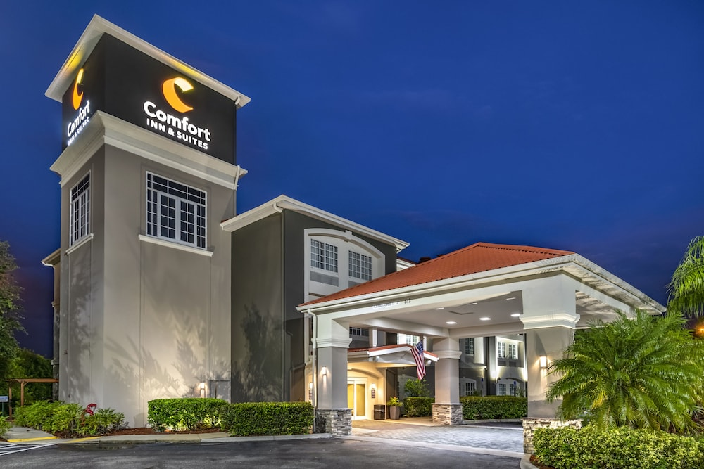 Front of Property, Comfort Inn & Suites