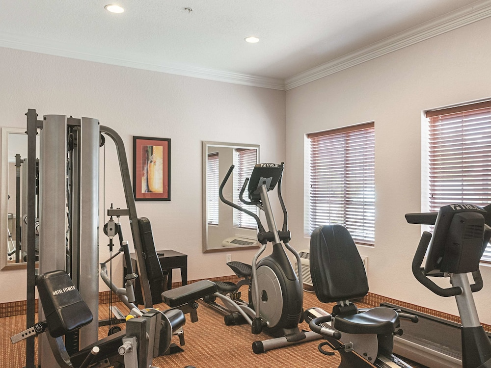 Fitness Facility, La Quinta Inn & Suites by Wyndham Slidell - North Shore Area