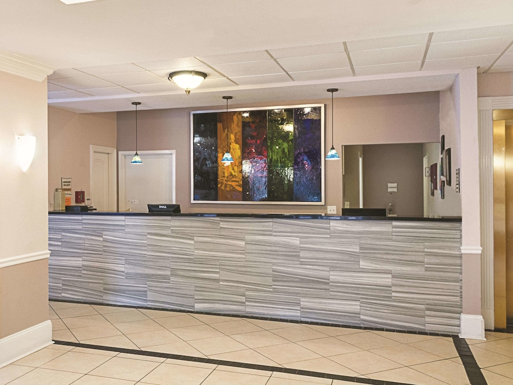 Lobby, La Quinta Inn & Suites by Wyndham Slidell - North Shore Area