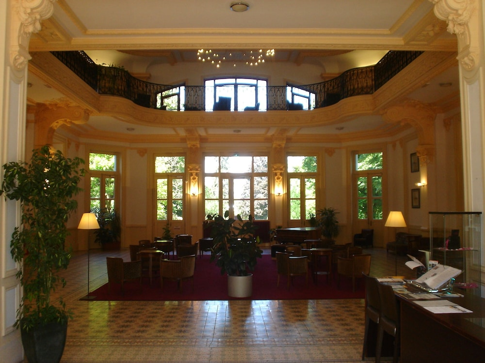 Appart 39 hotel le splendid terres de france grenoble 2 des for Appart hotel en france