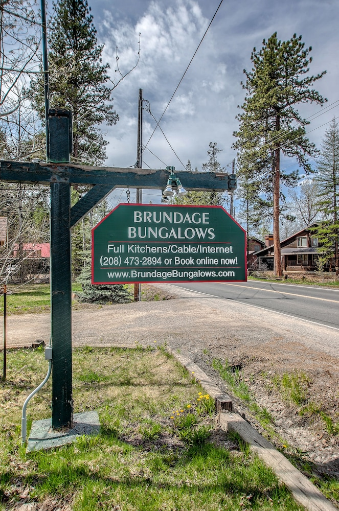 Property Entrance, Brundage Bungalows
