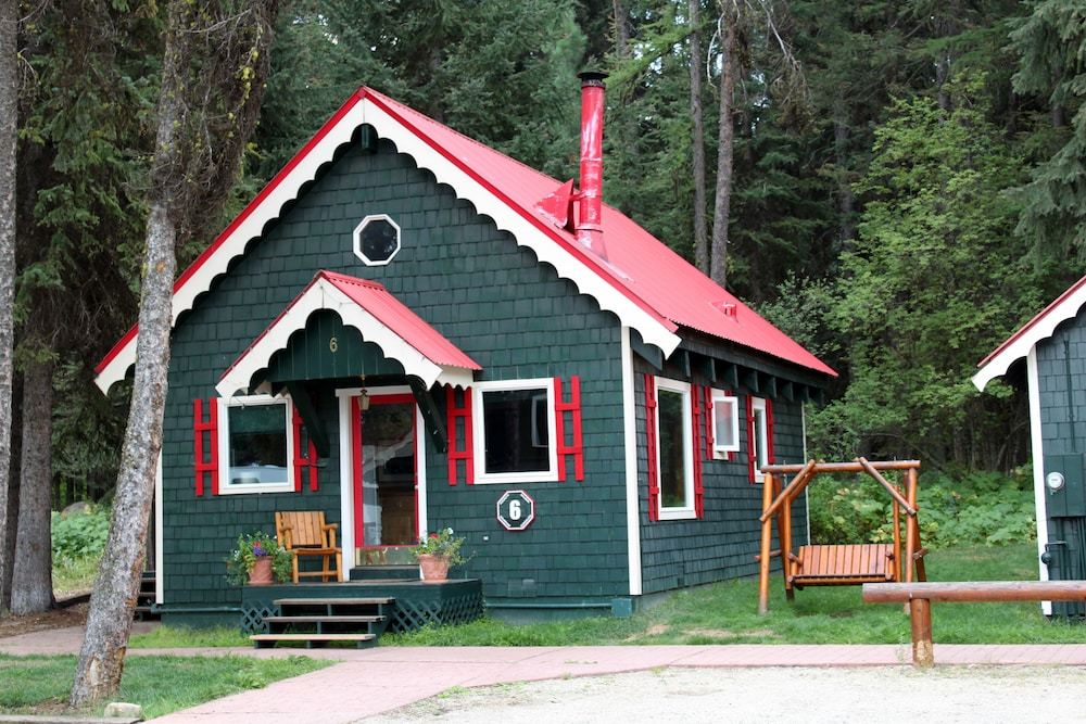 Sockeye salmon bungalow - Featured Image