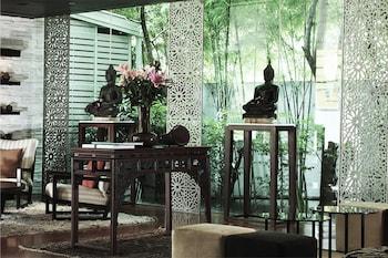 Ratchadaphisek   Sukhumvit 16, Bangkok, 10110, Thailand.