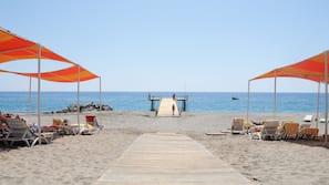 Private beach nearby, free beach shuttle