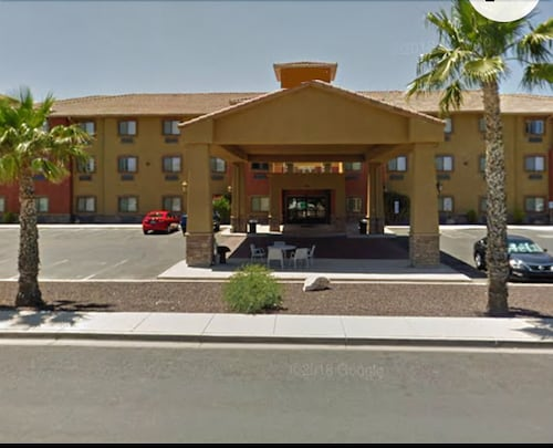 Copper Canyon Hotel & Suites