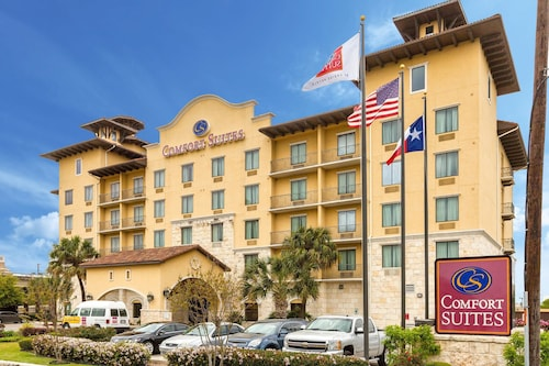 Great Place to stay Comfort Suites Alamo - Riverwalk near San Antonio