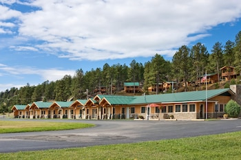 Rock Crest Lodge And Cabins, : 2019 Room Prices & Reviews | Travelocity