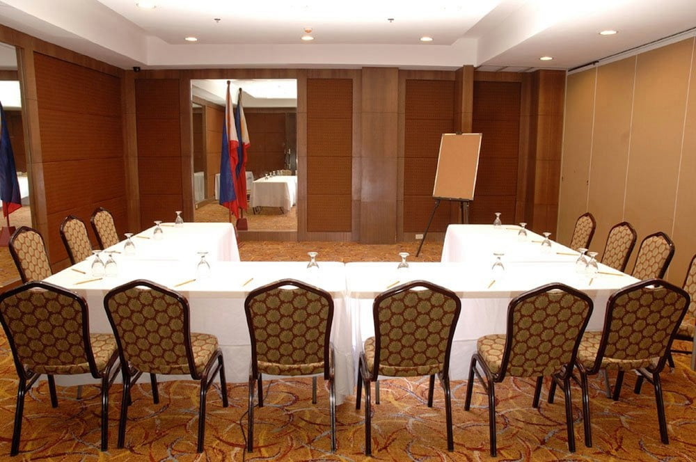 Business Center, Makati Crown Regency Hotel