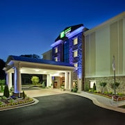 Holiday Inn Express Hotel & Suites Fairburn