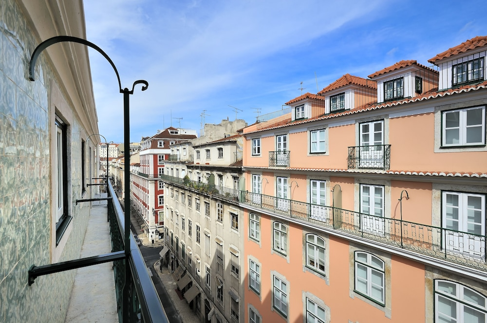 View from Property, Vincci Baixa