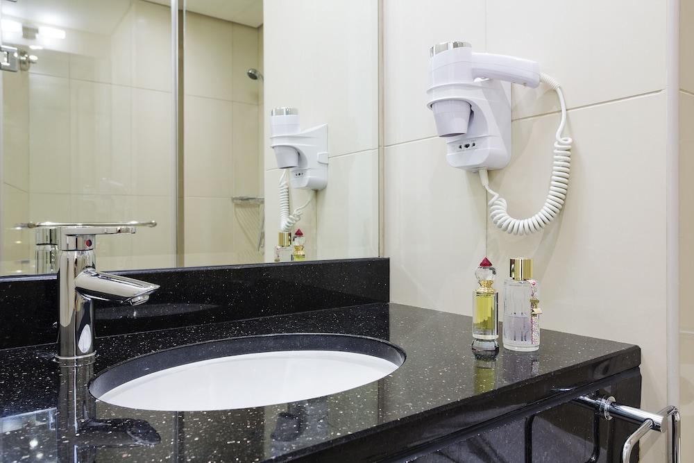 Bathroom Sink, ibis Deira City Centre