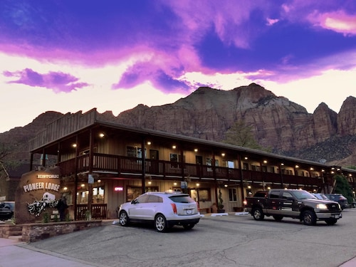 Hotels Near Zion National Park South Entrance Utah From 158