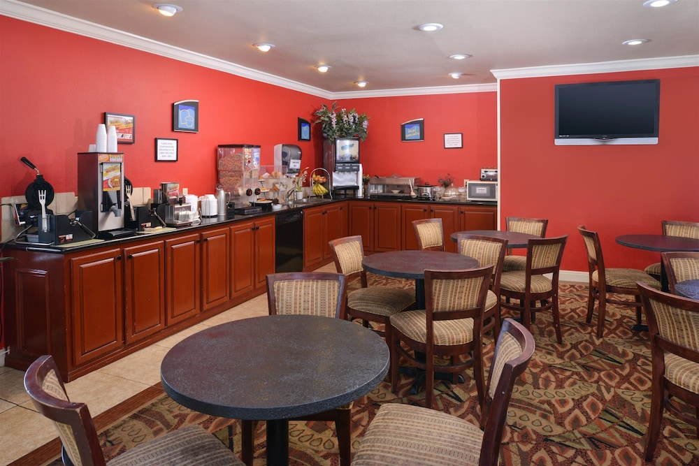 Breakfast Area, Americas Best Value Inn Lubbock E
