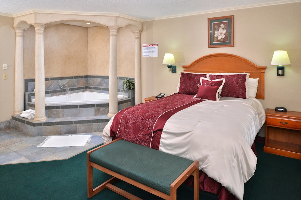 Room, Americas Best Value Inn Lubbock E