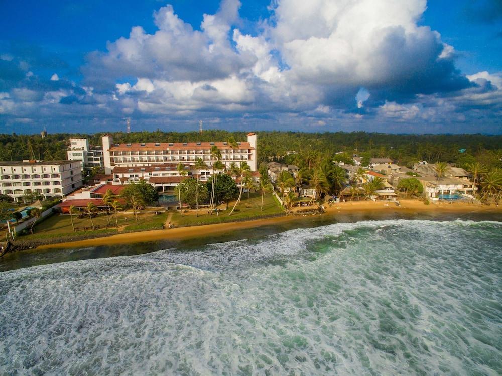 Hikkaduwa Beach Hotel Reviews