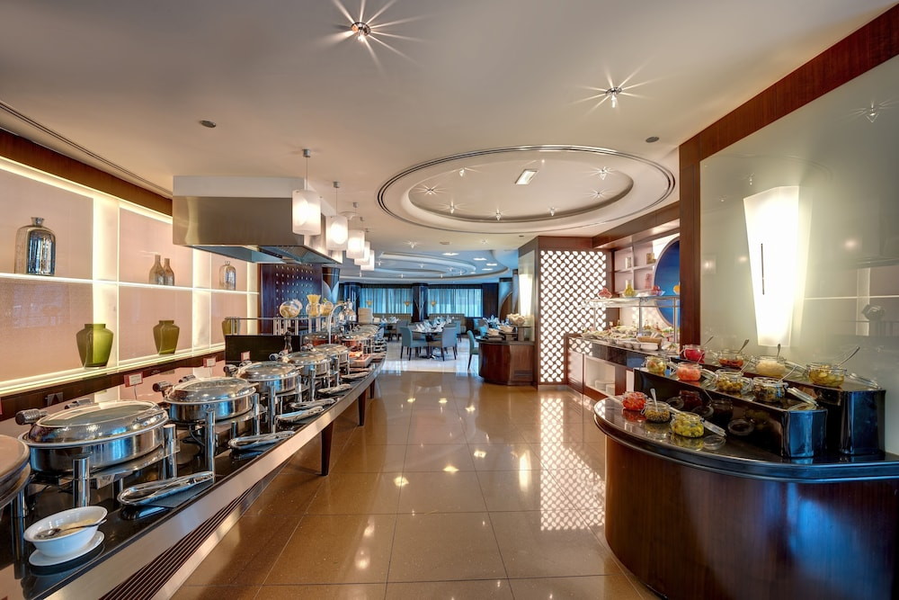 Buffet, Rose Rayhaan by Rotana