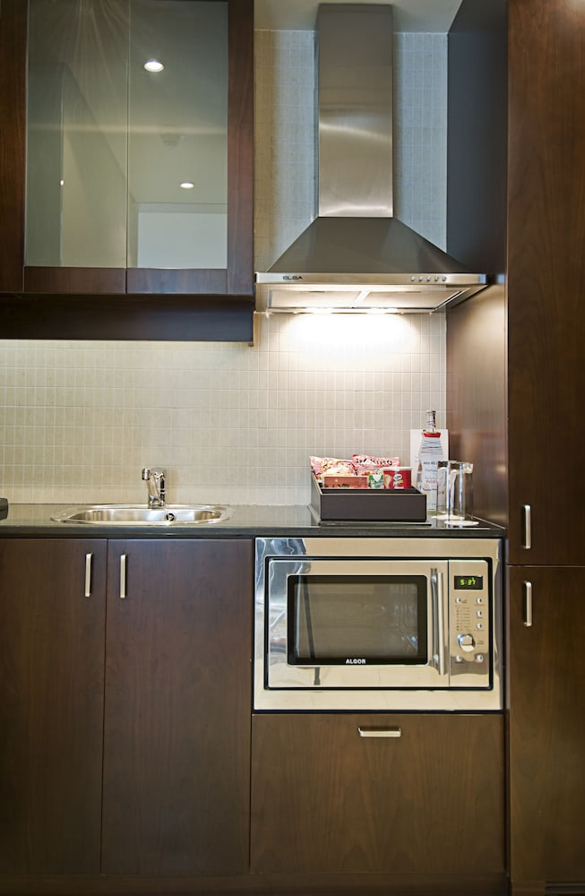 Private Kitchenette, Rose Rayhaan by Rotana
