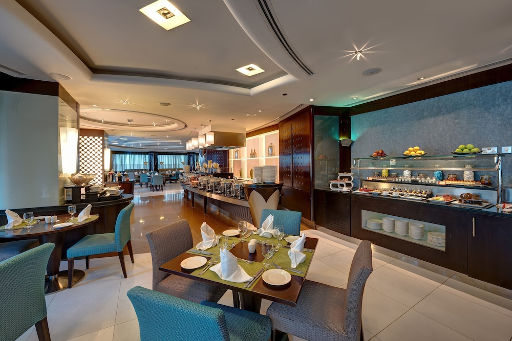 Cafe, Rose Rayhaan by Rotana