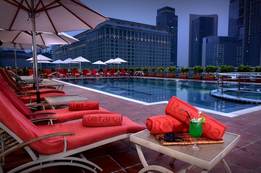 Rooftop Pool, Rose Rayhaan by Rotana