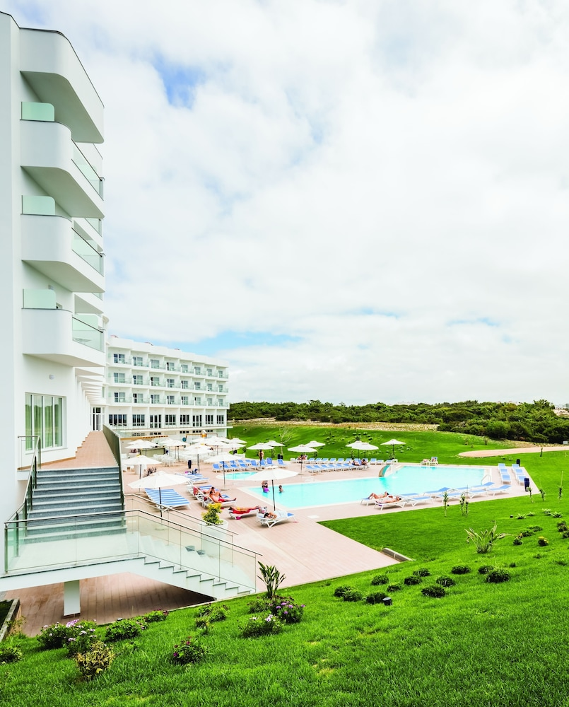 Outdoor Pool, MH Peniche