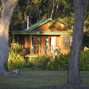 Lake Weyba Cottages Noosa