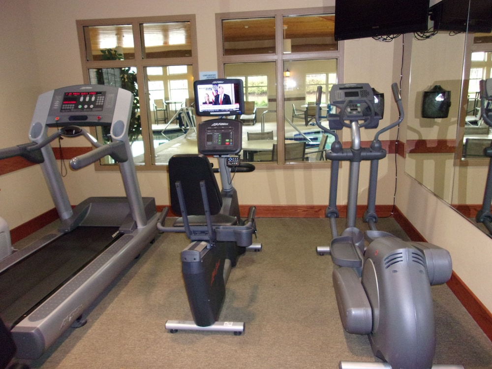 Fitness Facility, Holiday Inn Express & Suites Chicago West-Roselle