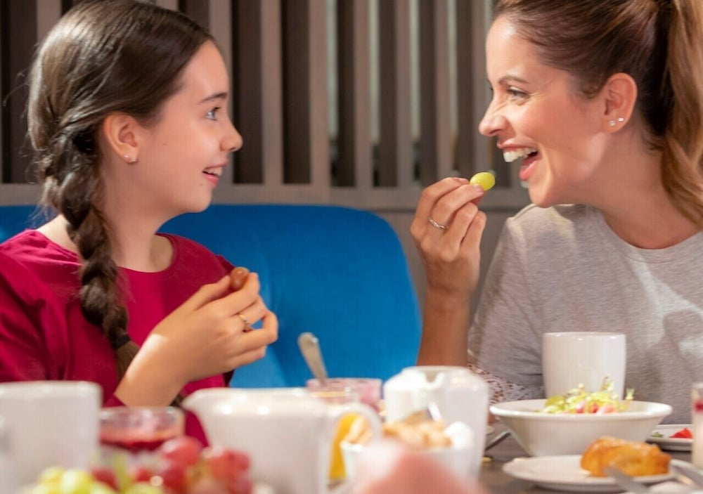 Family Dining, Clayton Hotel Dublin Airport
